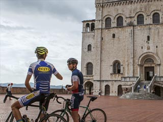 m gubbio stages by bike the via di francesco